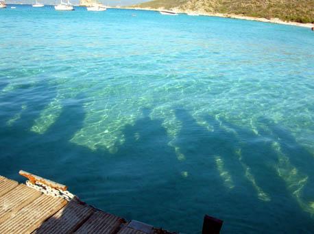 ombre riflesse sul mare della corsica